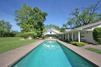 Healdsburg Creekside Vineyard Estate