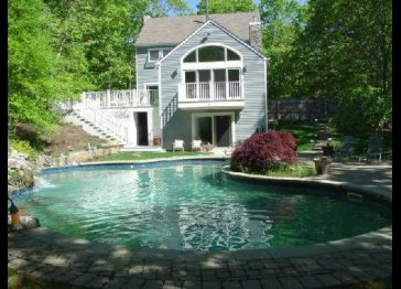Bridgehampton Just Rented By 1 of The REAL Housewives of NY