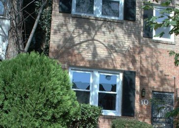 Capitol Hill Fully Furnished Shared Townhome