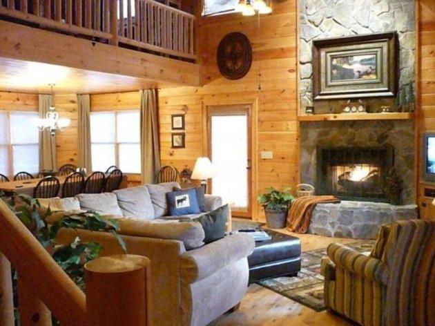 Big Sky Lodge living area