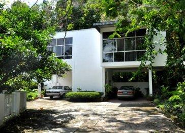 Brahminy Kite Holiday Villa, Kota Kinabalu Borneo