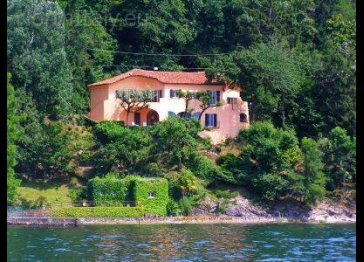 Unique lakefront villa at the shores of Lake Maggiore