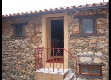 Stone House to rent for holidays