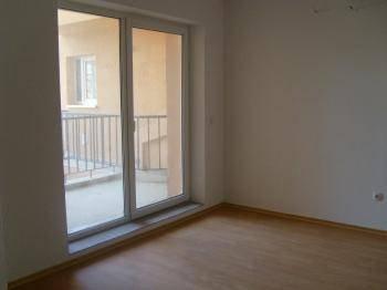 3 rooms apartment in Romania, Bacau-for rent