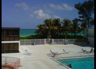 2bed/2ba/2story loft style apt /balcony right on Miami Beach