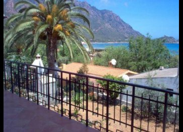 Eastern Sardinia beachside holiday apartment.sleeps 6.
