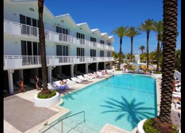 3 Room Metropolitan Oceanfront Suite