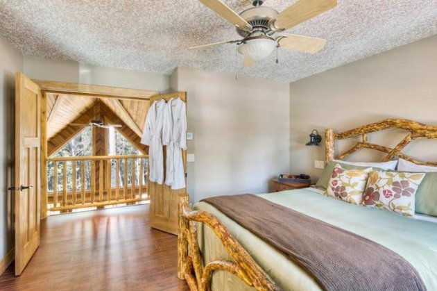 Private master bedroom in the loft, ensuite bathroom with heated tile floors