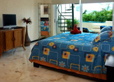 TWO BEDROOM CONDO WITH PRIVATE POOL IN PLAYA DEL CARMEN