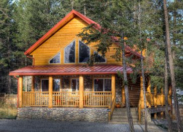 Iron Ring Log Chalet - Radium Hot Srpings Vacation Rental